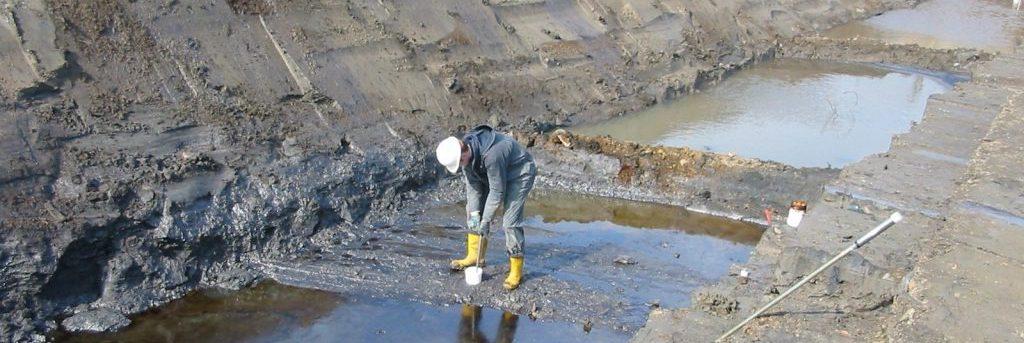 milieukundig begeleider van BK ingenieurs met zijn voeten in de klei